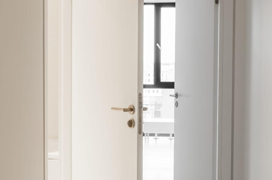 Speciālās nozīmes durvis