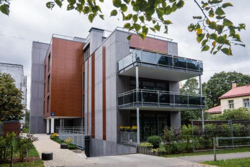 Daudzdzīvokļu ēka Bauskas 45, Rīgā